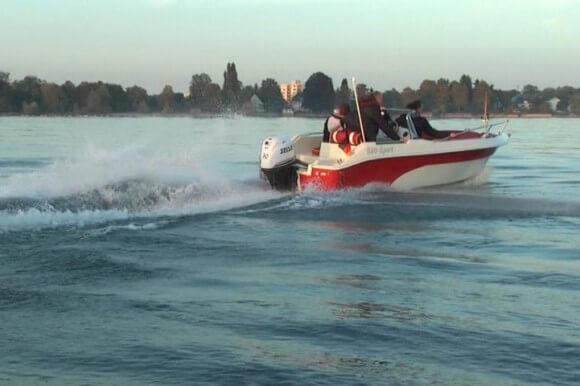 Sportboot Konsolenboot im Einsatz